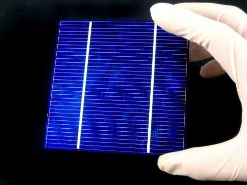 Researcher identifies defects in solar cells made of silicon