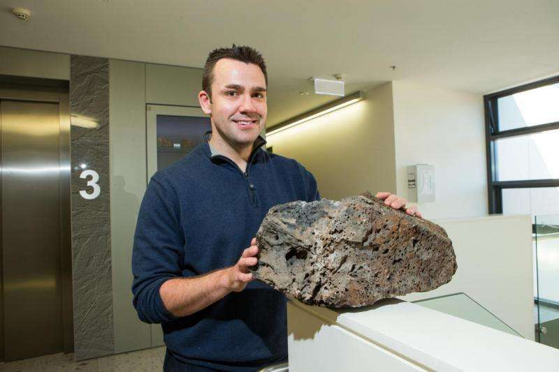 World's longest continental volcano chain in Australia: ANU media release