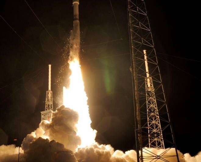 Atlas V streaks to orbit on 100th successful mission for ULA with Mexico's Morelos-3