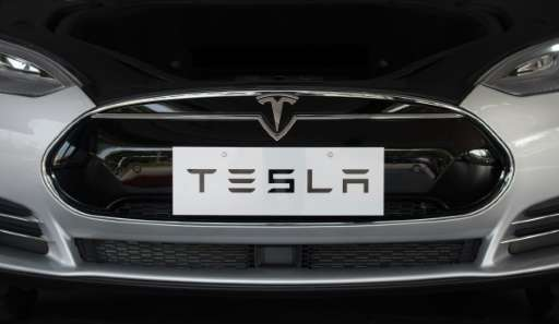 California-based start-up Tesla, a star on Wall Street, currently has no rival at the high end of the electric car segment, acco