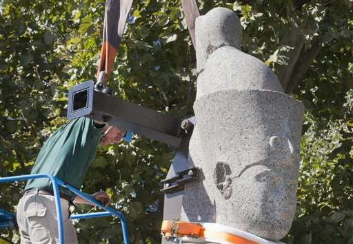 Giant Egyptian statues go on display in Paris