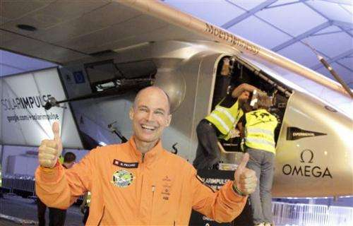 Solar plane pilots urge India to support clean energy drive