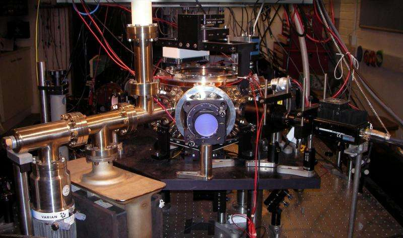 Researchers produce first demonstration of matter wave technique that could cool molecules