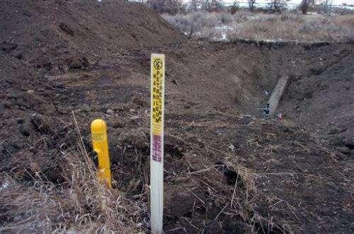 Oil shipments to resume in pipeline that broke under river