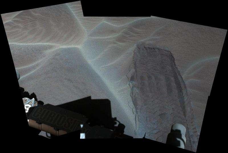 NASA Mars Rover Curiosity reaches sand dunes