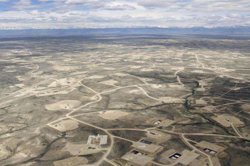 Wide area study shows environmental impact of oil and natural gas drilling in North America