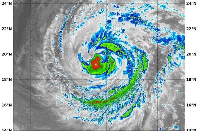 NASA-NOAA's Suomi NPP sees a weaker Hurricane Jimena