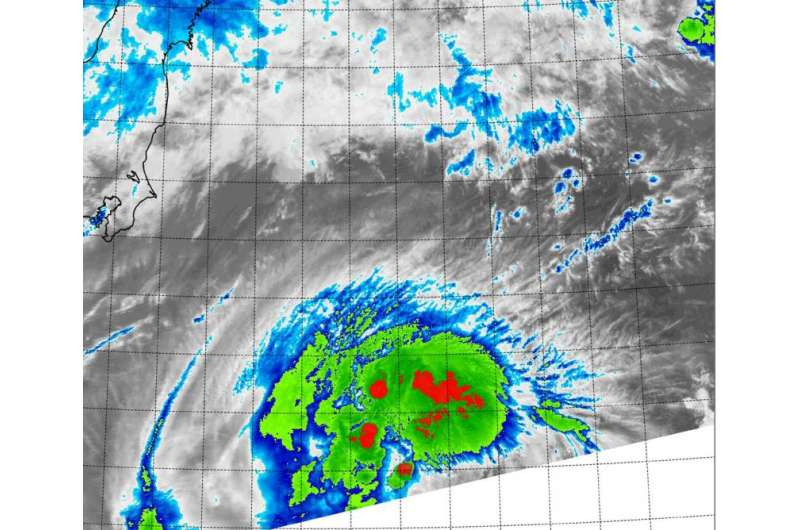 NASA's Terra satellite sees Molave regain tropical storm status