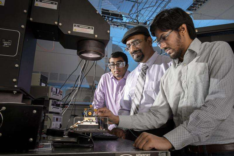 Challenge to classic theory of 'organic' solar cells could improve efficiency