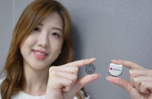 Hexagonal battery from LG Chem boosts smartwatch wear