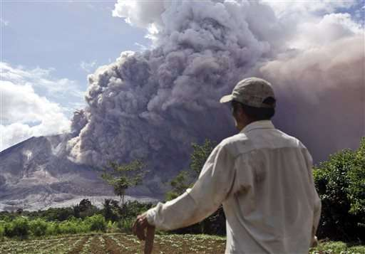 Indonesia's Mount Sinabung unleashes new powerful burst