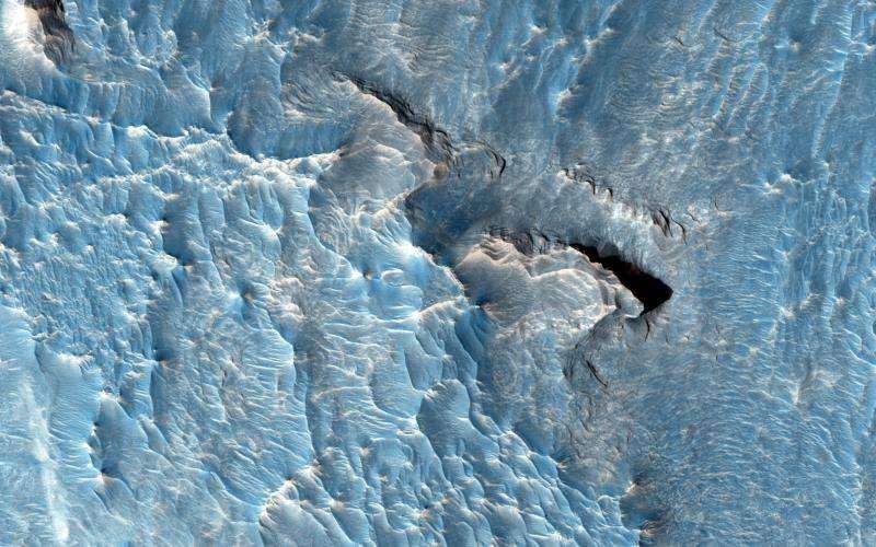 Light toned deposit in the Aureum Chaos region on Mars