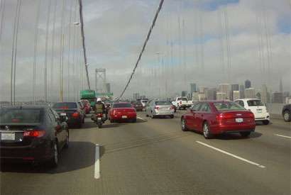 New report says motorcycle lane-splitting can be safe