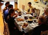 Parents should set good example to keep kids slim, pediatrics group says