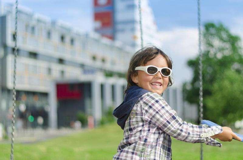 Programmable electronic glasses provide children effective, digital lazy eye treatment