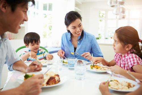 Science says eat with your kids