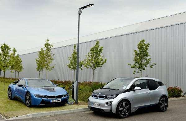 Street lighting, car-charging system shown in UK