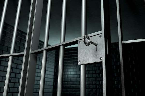 Study finds private prisons keep inmates longer, without reducing future crime