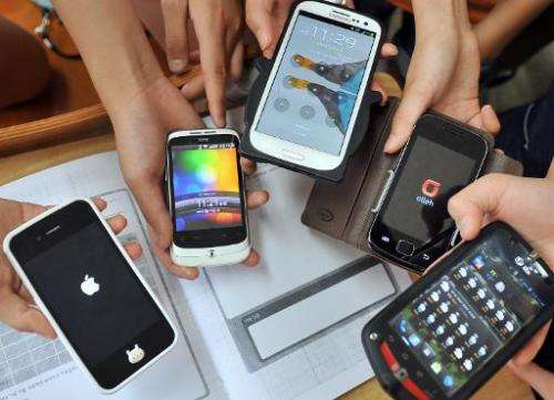 Tech security experts say smartphone users should install antivirus programmes on their phones