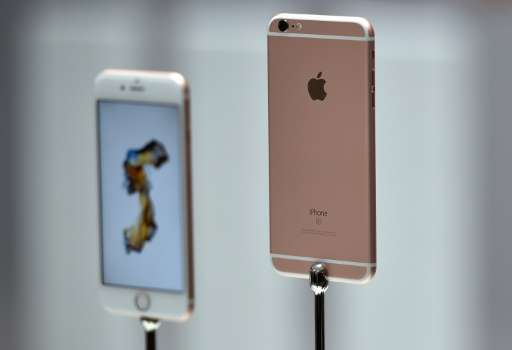 The iPhone 6S and 6S Plus have the same overall dimensions as the last version, with new technologies under the hood