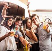 TV alcohol ads tied to problem drinking for teens, study finds