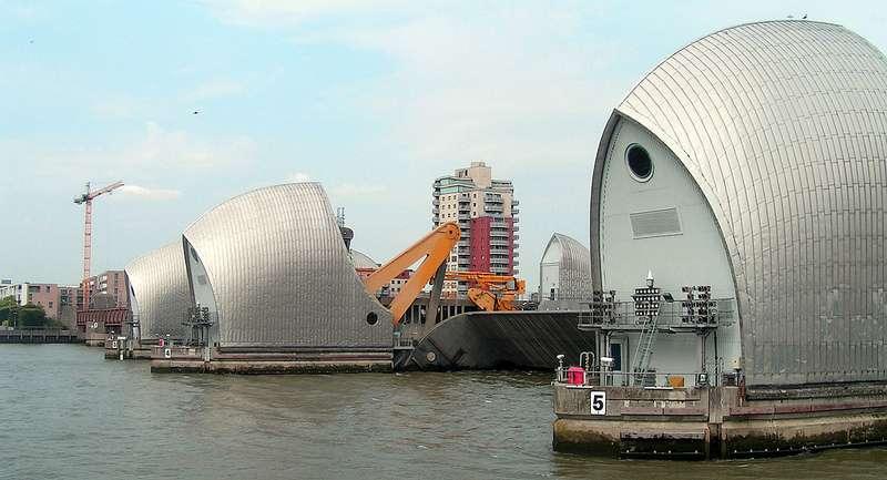 Why do flood defences fail?