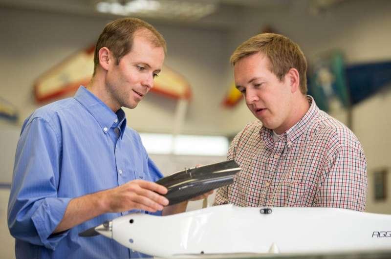 Aerospace engineer creates free 3-D aircraft design software