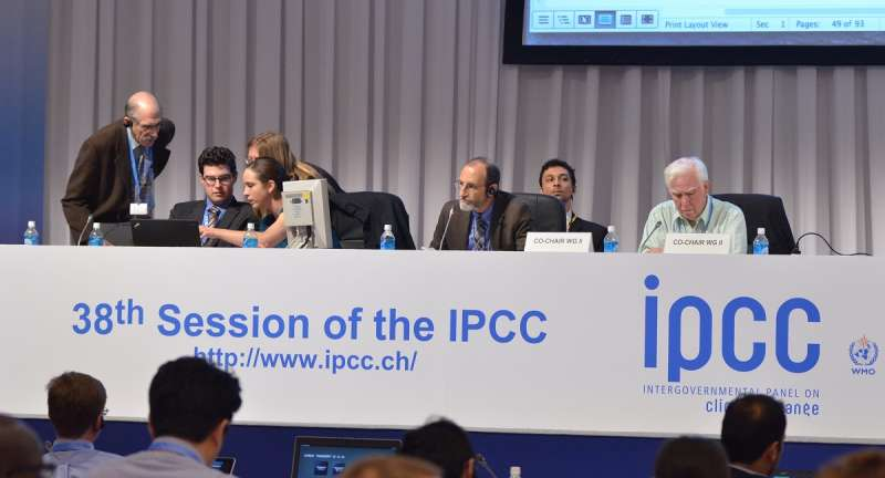 Climate summaries 'for grownups,' but not too difficult for policymakers
