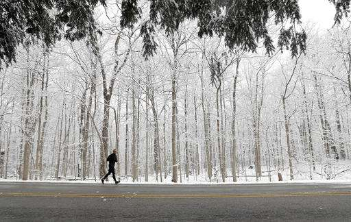 Dangerous wind chills, snow in Midwest; cold grips Northeast