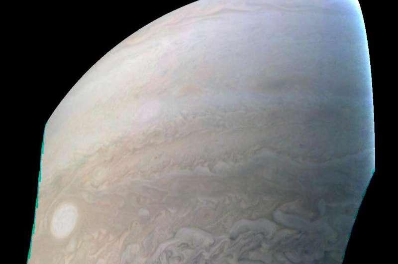 Image: Juno captures Jupiter 'Pearl'