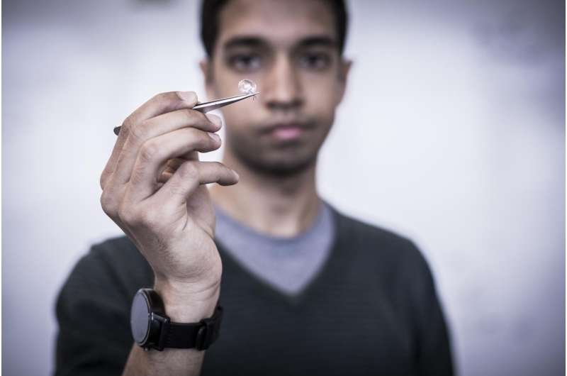 Interscatter enables first implanted devices, contact lenses, credit cards to 'talk' WiFi