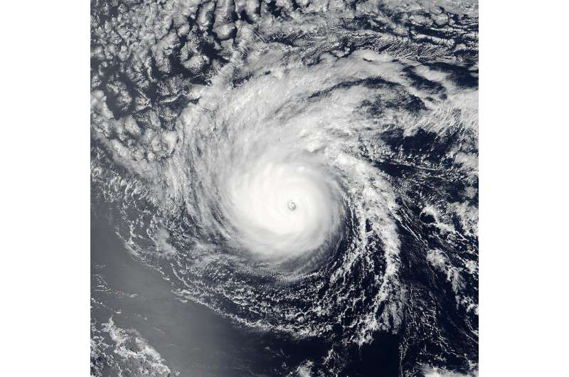 NASA sees Lester move into central Pacific Ocean basin