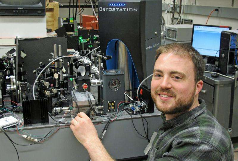 Oregon researchers use light and sound waves to control electron states