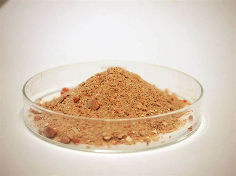 Protein feed and bioplastic from farm biogas