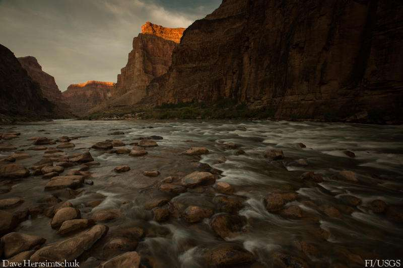 River food webs threatened by widespread hydropower practice