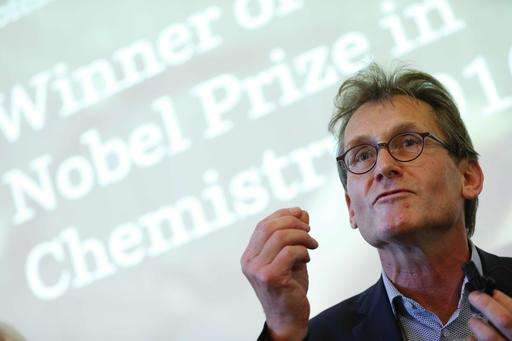 3 win Nobel chemistry prize for world's tiniest machines