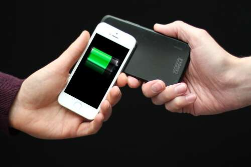 New technology allows smartphones and wearable devices to share power (w/ Video)