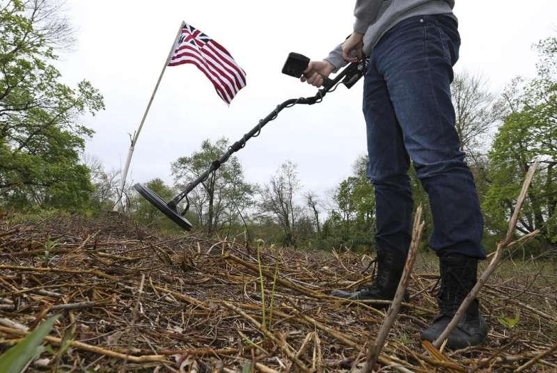 On New Jersey hillside, clues to Revolutionary War mystery