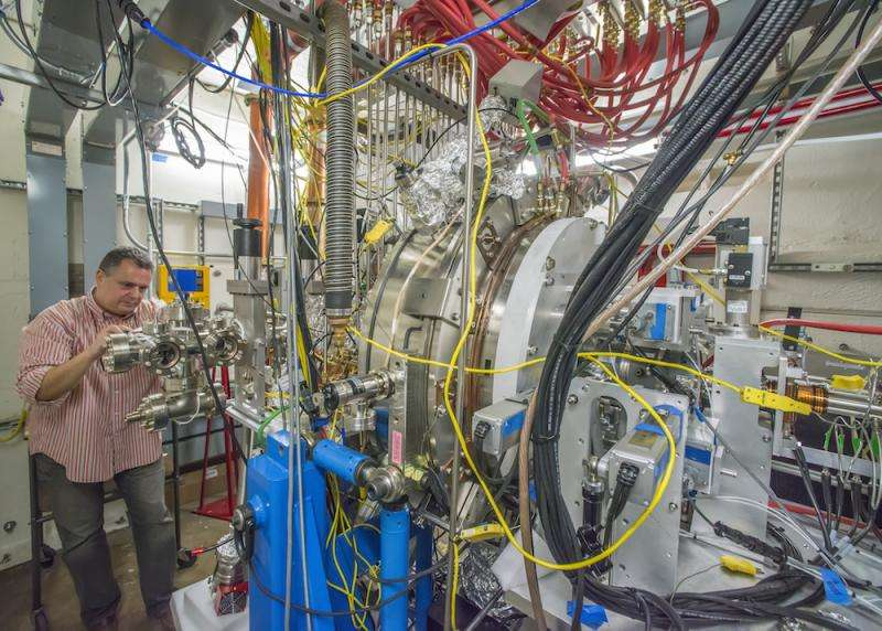Berkeley Lab working on key components for LCLS-II x-ray lasers