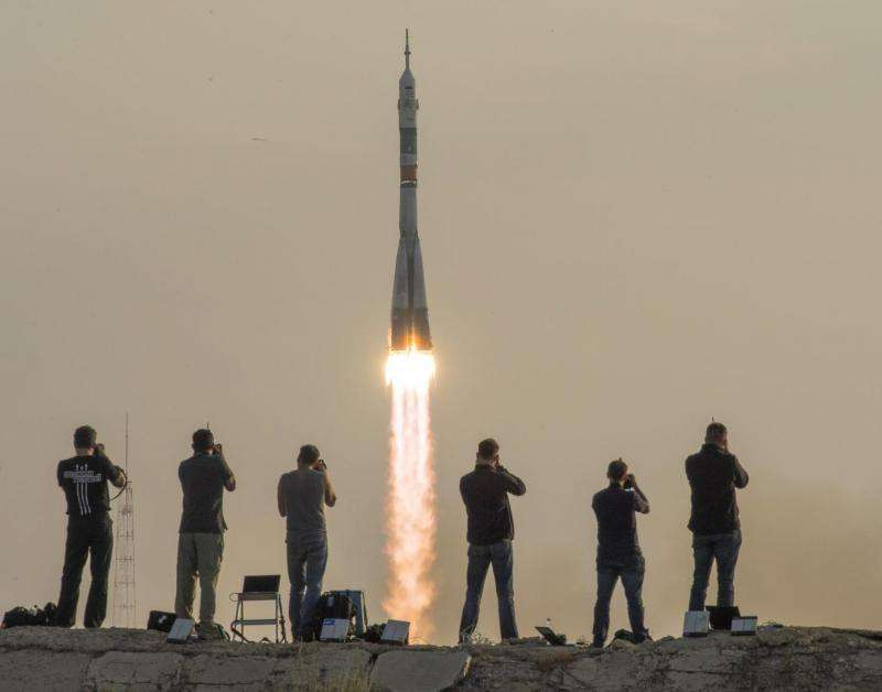 Image: Expedition 48 crew launches to the International Space Station
