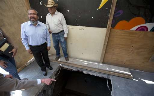 Mexican experts find early burial in 1st colonial cathedral