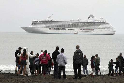 Ice-busting ship preps for trip amid push to replace fleet