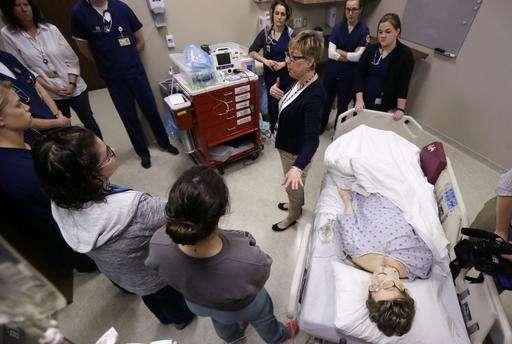 Michigan nursing school uses mannequins for medical lessons