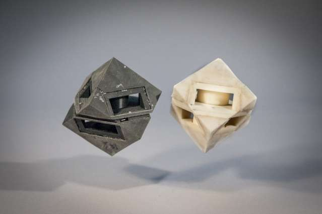 3-D-printed robots with shock-absorbing skins