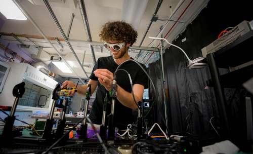 Hacking a revolution in biology