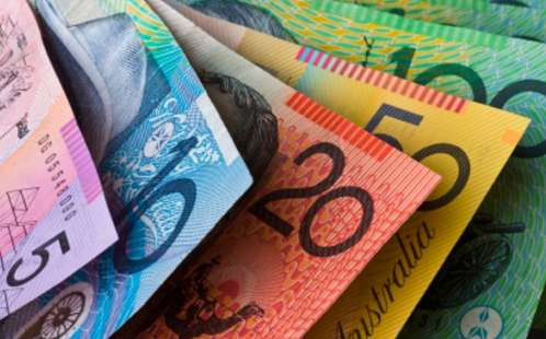 Study finds cash and coins help engage primary maths students
