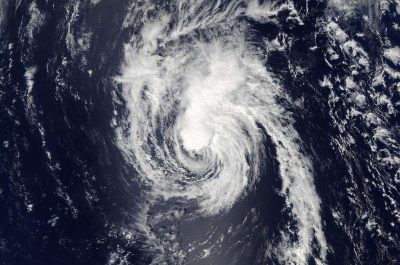 NASA sees Tropical Storm Lester moving away from Hawaiian islands