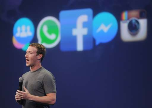 Facebook CEO Mark Zuckerberg has rejected the idea that bogus stories shared at the social network paved a path of victory for D