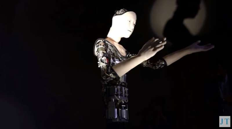 Embedded tech allows robot to move itself, has own rhythm