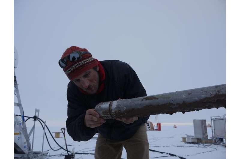New study reveals when West Antarctica's largest glacier started retreating